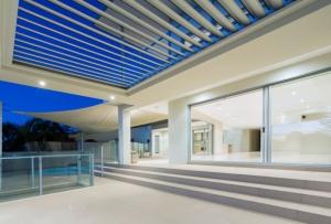 ventanas-blindadas-madera-aluminio-lujo-by-karsen-kraung