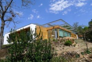 ventanas-puertas-balconeras-cristaleras-de-madera-eficientes-casa-ecologica-pasiva-bykarsen-kraung