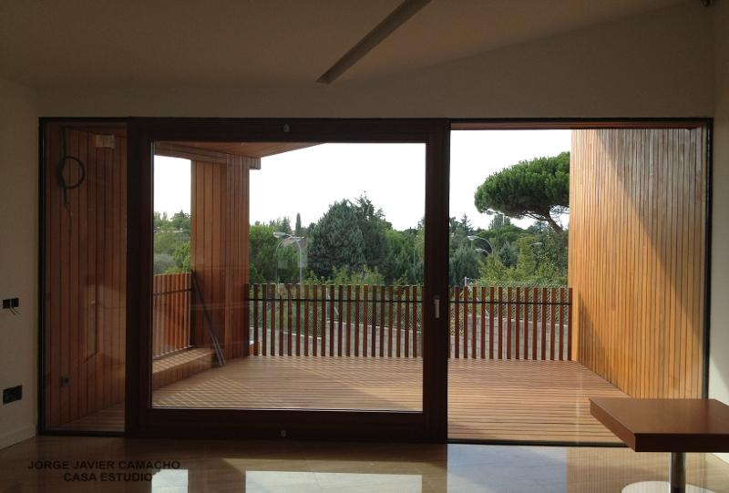 casa-completa-ventanas-puertas-cristaleras-fijas-moviles-madera-by-karsen-kraung2